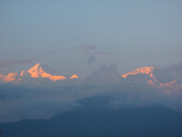 Đến Sarangkot ngắm bình minh trên dãy Himalaya - Ảnh 5.