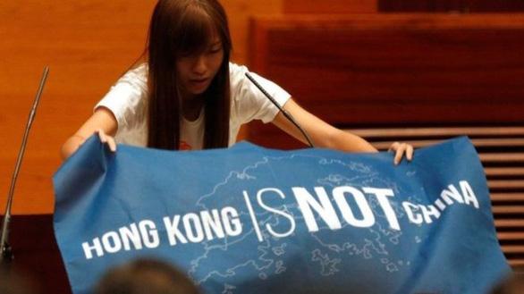 Tại sao Hong Kong đòi dân chủ quyết liệt hơn Macau? - Ảnh 2.