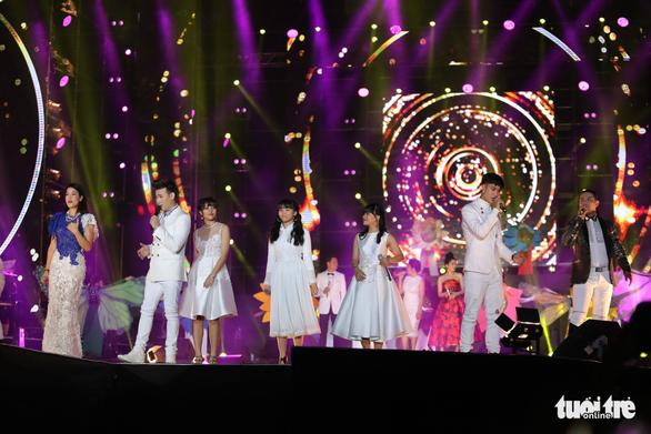 Festival kỷ niệm Làn Sóng Xanh 20 năm: Có điều gì sao không nói… - Ảnh 2.