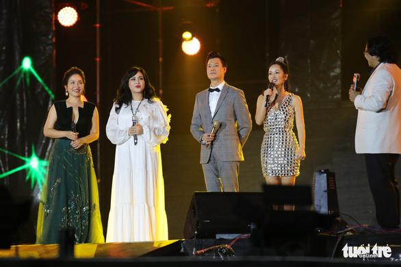 Festival kỷ niệm Làn Sóng Xanh 20 năm: Có điều gì sao không nói… - Ảnh 1.