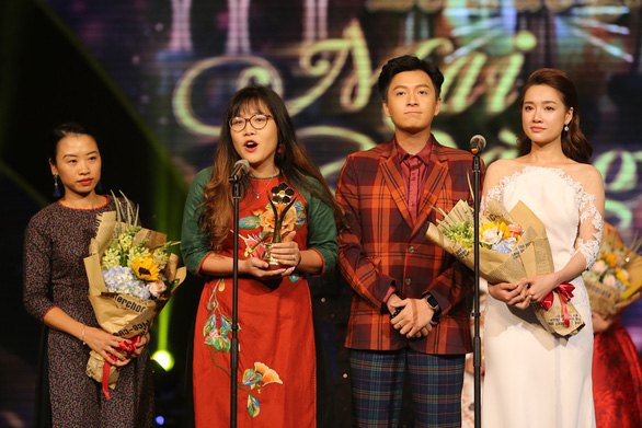 Trường Giang vừa được giải vừa hỏi vợ tại lễ trao giải Mai Vàng 2017 - Ảnh 5.
