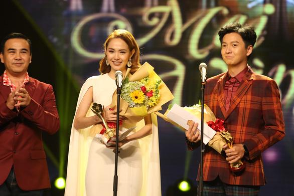 Trường Giang vừa được giải vừa hỏi vợ tại lễ trao giải Mai Vàng 2017 - Ảnh 7.