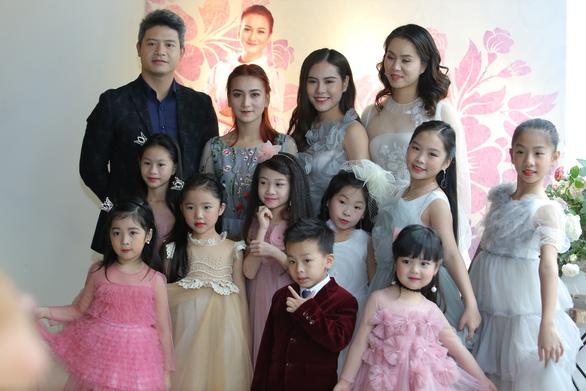 Hơn 100 vũ công nhí diễn Kẹp hạt dẻ đón năm mới - Ảnh 2.