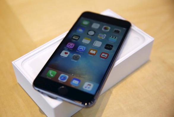Mỹ đang điều tra Apple về vụ làm chậm iPhone - Ảnh 1.