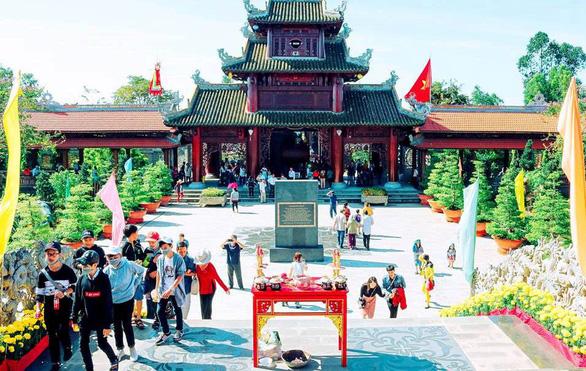 Khai mạc Tuần lễ Văn hóa - Du lịch Đồng Tháp năm 2018 - Ảnh 2.