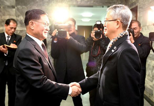 Liên Triều bàn việc cử đoàn ca nhạc toàn nữ Triều Tiên sang Hàn Quốc - Ảnh 1.