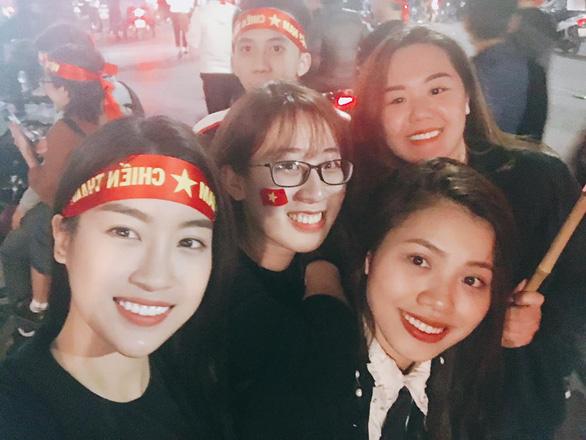 Hoa hậu Mỹ Linh không sang xem U23 thi đấu vì fan không muốn thế - Ảnh 2.
