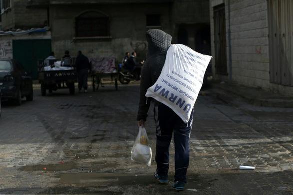 Mỹ cắt 65 triệu USD tiền cứu trợ cho người Palestine - Ảnh 1.