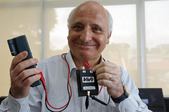 Phát minh giúp hồi phục pin điện thoại cũ tới 95% - Ảnh 1.