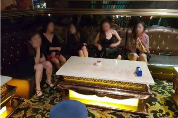 Singapore xử tội khỏa thân công cộng, ma túy thế nào? - Ảnh 1.