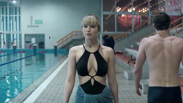 Red Sparrow: Jennifer Lawrence dùng nhan sắc hạ gục mục tiêu - Ảnh 2.