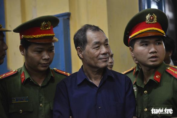 Đại gia Trầm Bê phải chăm sóc y tế, ông Trần Bắc Hà vắng mặt - Ảnh 4.