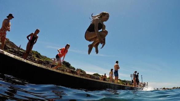 Đi Úc chơi mùa này 'tan chảy' vì nắng nóng - Ảnh 2.