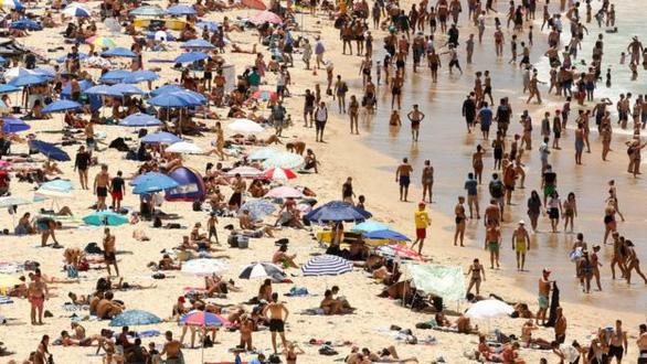 Bắc Mỹ lạnh âm 70 độ, Sydney nóng 47,3 độ C, cao nhất 78 năm - Ảnh 1.