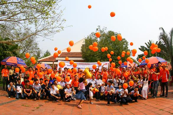 Công ty CP Tôn Đông Á Góp sức cùng xây cuộc sống xanh - Ảnh 2.