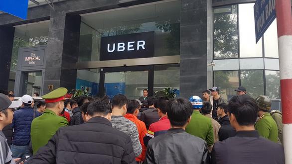Sau Sài Gòn, tài xế Grab và Uber tại Hà Nội phản đối mức chiết khấu - Ảnh 3.