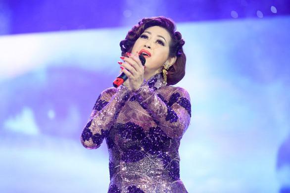 Ý Lan mời Phương Mỹ Chi vào live show - Ảnh 2.