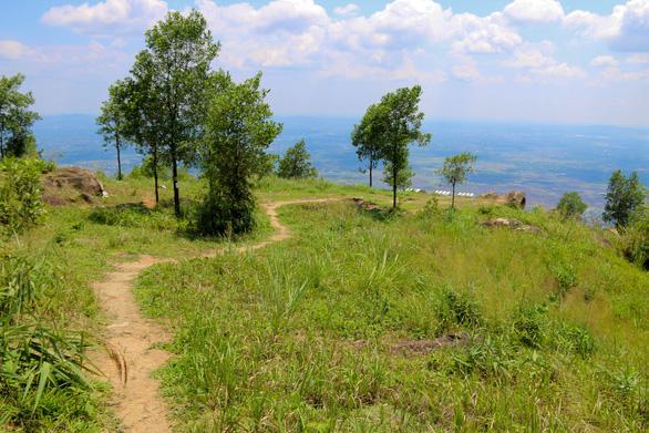 Cuối tuần chinh phục núi Chứa Chan - Ảnh 9.