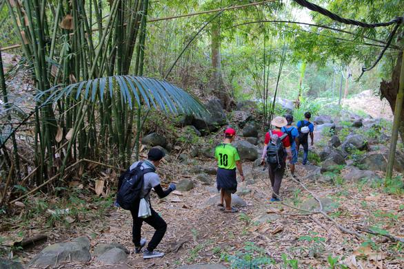 Cuối tuần chinh phục núi Chứa Chan - Ảnh 11.