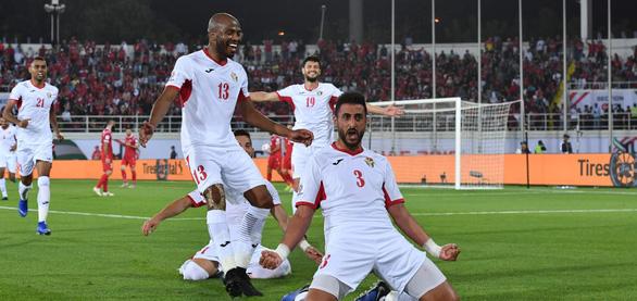 Đội từng không thắng Việt Nam giành vé đầu tiên Asian Cup 2019 - Ảnh 1.