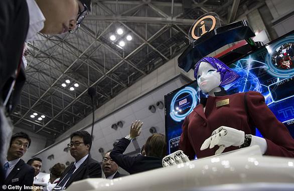 Nhật đưa robot đến ga điện ngầm làm hướng dẫn viên - Ảnh 4.