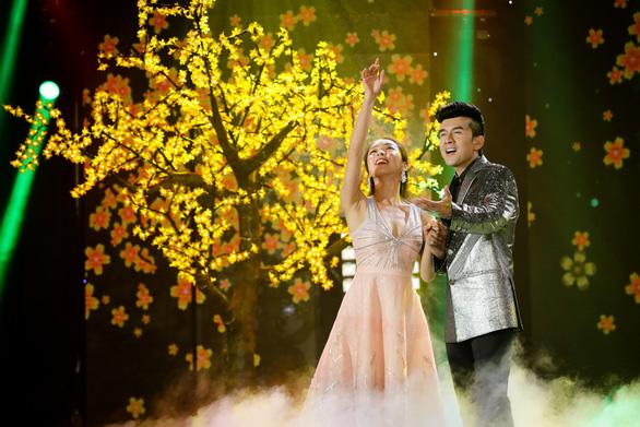 Dàn ca sĩ ngôi sao đại náo Gala nhạc Việt - Vui như Tết - Ảnh 4.
