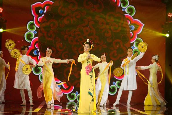 Dàn ca sĩ ngôi sao đại náo Gala nhạc Việt - Vui như Tết - Ảnh 6.