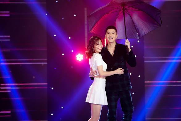 Dàn ca sĩ ngôi sao đại náo Gala nhạc Việt - Vui như Tết - Ảnh 5.