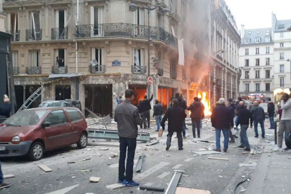 Nổ khí gas trung tâm Paris, ít nhất 4 người chết - Ảnh 1.
