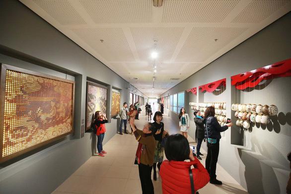 Nhan sắc hoa hậu H'Hen Niê là sự kiện văn hóa tiêu biểu - Ảnh 2.