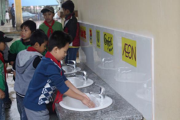 Học sinh Vĩnh Phúc hào hứng vì trường có nước sạch - Ảnh 3.