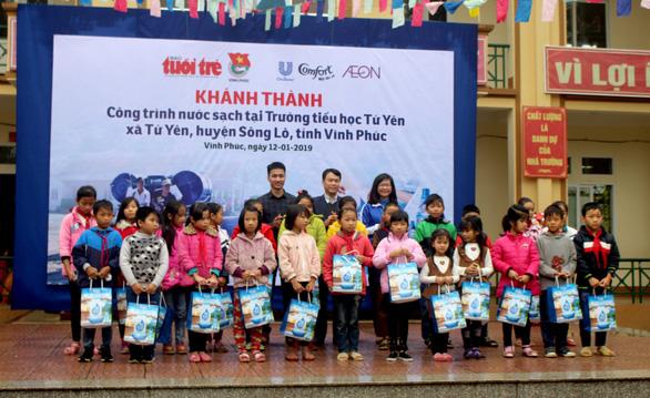 Học sinh Vĩnh Phúc hào hứng vì trường có nước sạch - Ảnh 4.