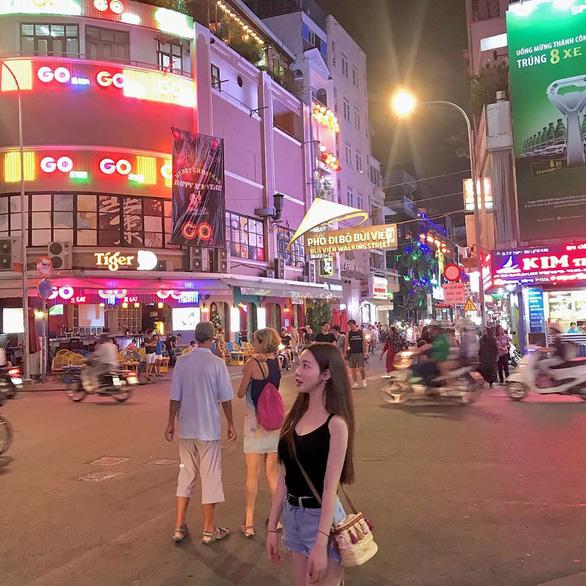 Tại sao du khách Hàn Quốc đổ xô đến Việt Nam? - Ảnh 1.