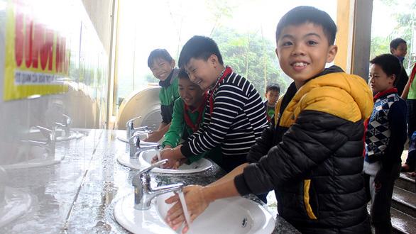 Chương trình Sẻ chia nước sạch: Nước sạch về trường - Ảnh 1.