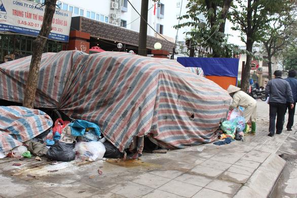 Người dân ngừng chặn xe rác vào khu xử lý chất thải Sóc Sơn - Hà Nội - Ảnh 1.