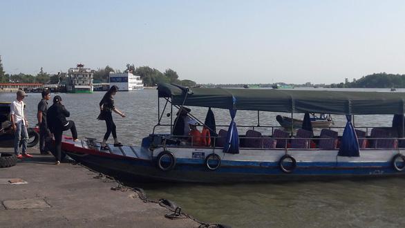 Bến tàu khách và du lịch Cần Thơ được hoạt động thêm 3 tháng - Ảnh 1.