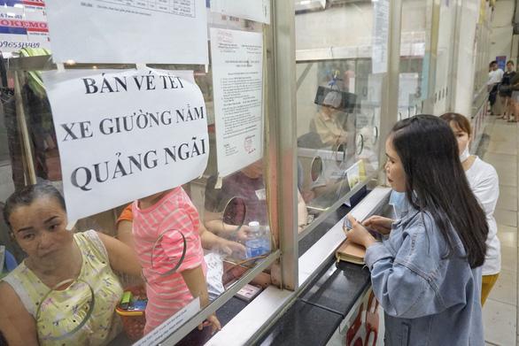 Bến xe Miền Đông còn hơn 81.000 vé xe tết chưa bán - Ảnh 1.