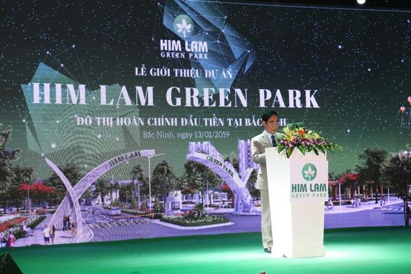 Him Lam Green Park hút khách ngày đầu ra mắt dự án - Ảnh 2.