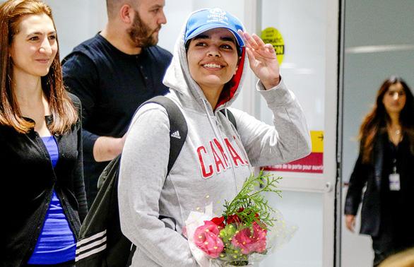 Cuộc trốn chạy khuấy động thế giới của cô gái Saudi - Ảnh 1.