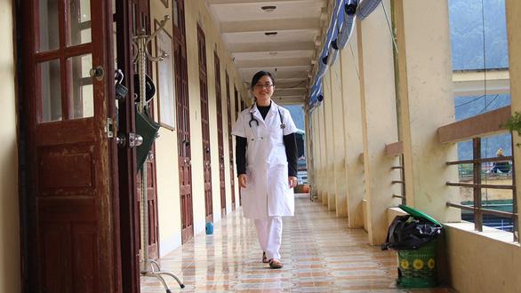Bác sĩ trẻ tình nguyện về vùng cao - Ảnh 6.