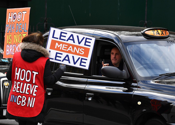 Nữ nghị sĩ Anh nhịn đẻ để bỏ phiếu Brexit - Ảnh 2.