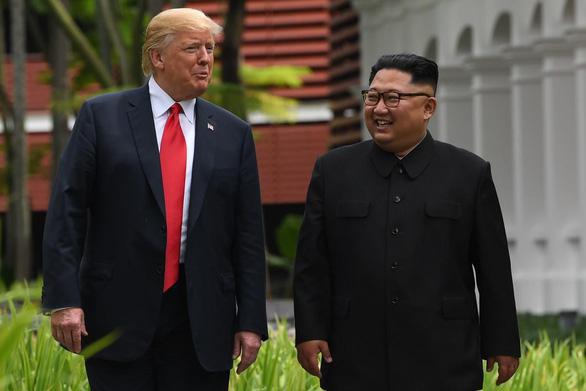 Ông Trump gửi thư tay cho ông Kim Jong Un - Ảnh 1.
