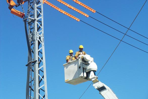 Gần 100% khách hàng đất liền của Điện lực Miền trung có điện lưới quốc gia - Ảnh 3.