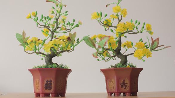 Chàng trai làm hoa mai chưng Tết từ vảy cá - Ảnh 4.