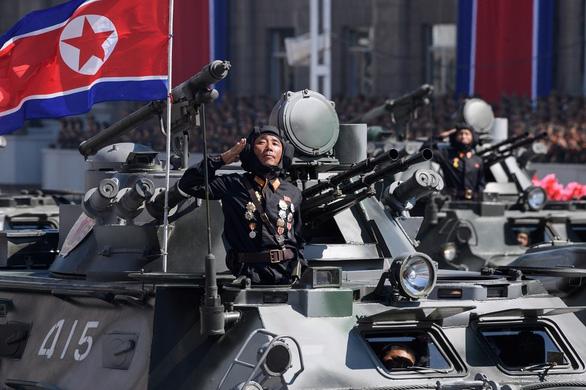 Hàn Quốc chính thức không coi Triều Tiên là kẻ thù - Ảnh 1.