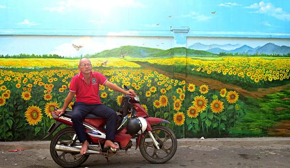 Phố chuyên doanh hoa và ẩm thực Hồ Thị Kỷ hiện dần lên rực rỡ - Ảnh 3.