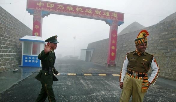 Ấn Độ chi 2,9 tỉ USD xây đường sát biên giới đề phòng Trung Quốc? - Ảnh 1.