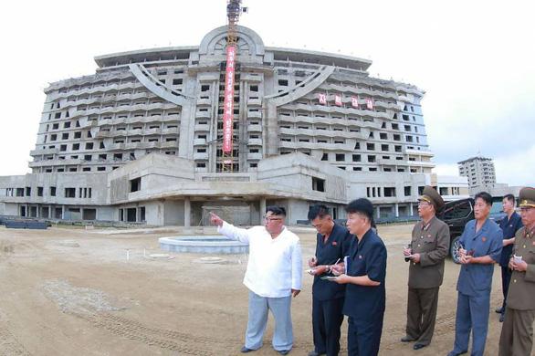 Triều Tiên biến khu bắn tên lửa thành khu nghỉ dưỡng khổng lồ - Ảnh 2.