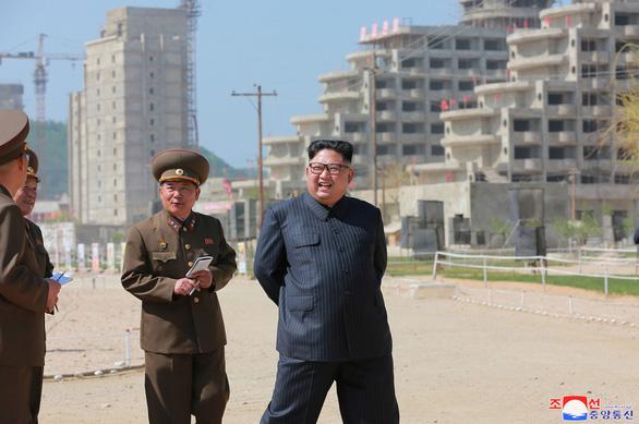 Triều Tiên biến khu bắn tên lửa thành khu nghỉ dưỡng khổng lồ - Ảnh 1.