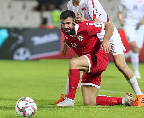 Cầu thủ Lebanon tiếc hùi hụi sau khi mất vé vào tay Việt Nam - Ảnh 1.